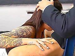 2 opettajaa tekemään schoolgirl palvelemaan kovan Jocks