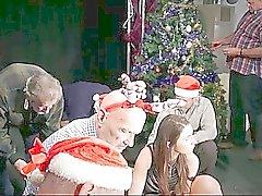 8 perv Greisen Gang Bang mit Silikon Weihnachtsmann Dame