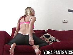 Mein Arsch sieht toll aus in dieser Yogahose JOI