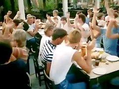 Оргии СТИН города Корфу в называемый The Pussycat синдроме (Греция , 1983 )