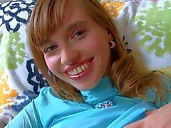 Подросток Аина вибрационные ее сочные киски