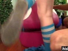 Hot Teen in Socken wird gebohrt
