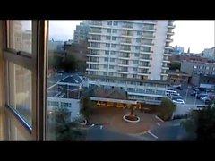 mor på janet in aptit fan åtgärder på hotellet balkongen