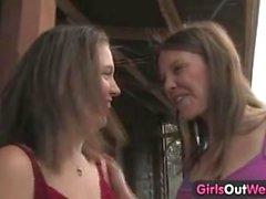 Mädchen aus West - Hairy und Rasierte Lesben