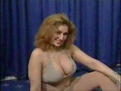 Pakistani bigboobs Tantchen Nackt Tanz in ihrem Schlafzimmer