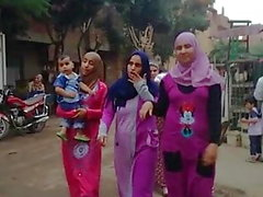 Hijab-Mädchen mit großen Ärschen