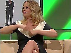 Barbara Schoeneberger clivagem agradável e as pernas