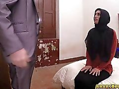Desperate Arab blowjobs que gallo grande por dinero