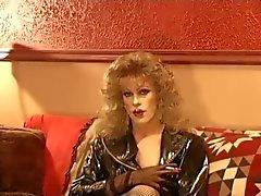Heiß CD- Cougar Rauchen nur in Leder