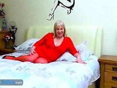 EuropaMature Blonde Damen Solo Sex Toys Spaß