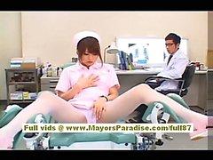 Akiho Yoshizawas Sexy asiatische Arbeits Amme genießt Hänseleien Sie den Arzt
