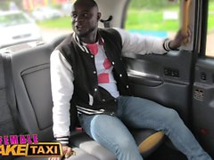 Taxi femmina fake Hot cazzo sudato paga tariffa taxi