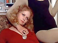 Beverly D' Angelo MASTURBEREN tegenover gast