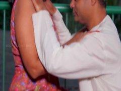 Desi Tantchen und Onkel Hot Romantik im Balkon