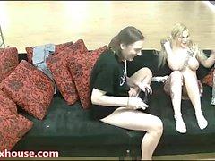 Naughty schoolgirl lo hace difícil por detrás