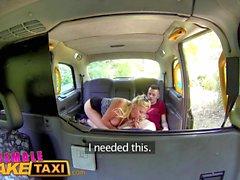 Female Fake Taxi Student recebe foda fantasia final