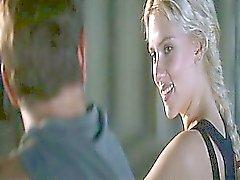 Scarlett Johansson alasti pinnoituskoneet vettä , hänen elin peitetty