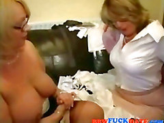 Beiden Mollige Frauen Lesbe Mütter Spielen