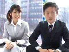 Asiatiska Teen blåser Japanska