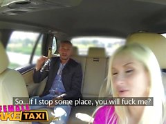 Feminino Fake Taxi Turista italiano fode sexy loira pechugón