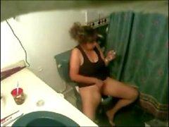 Скрытые мастурбации ванной