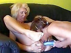 porno-video-lesbiyanki-perviy-raz