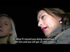 PublicAgent Zwei Schwestern BARBARA & STEPHANIE ficken zwei große Schwänze für Weihnachten