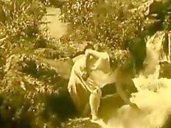 Vintage Erotic Film 7 - Naakt Meisje bij Waterval 1920