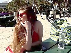 Gina Valentina lecken Kobi Brians Titten und Fotze