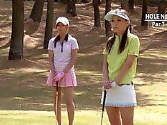 golfista adolescente obtiene su Rosa golpeó la verde!