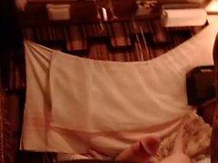 MILF amateur coq d'équitation de lingerie