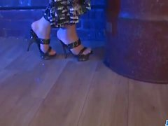 Мами Yuuki получит большим членом в ее прекрасном пизда
