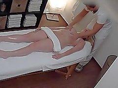 Massage aux huiles tchèque Putain