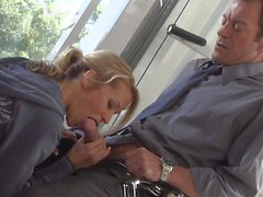 MILF Jessica Drake gives blow job after workout
