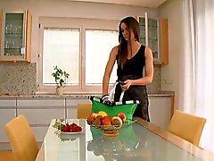 С овощами и фруктами у вас сохранить его дольше.
