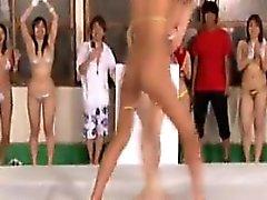 filles japonaises Slutty satisfaire leur désir intense de sauvage