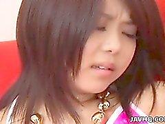 Adolescente linda japoneses abusado por dos tíos calientes