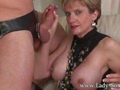 Mistress corno Lady Sonia sexo violento e facial