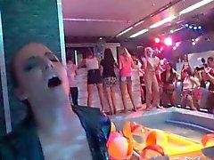 Hot птенцы суточные партия трахнуть Дикс в клуб