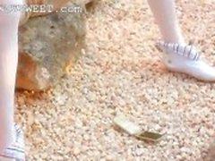 Boneca óssea Petite descascando