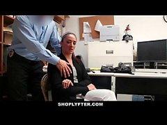 Shoplyfter - Mutter und Tochter erwischt und gefickt für den Diebstahl