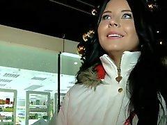 Tschechische Mädchen für Geld creampied