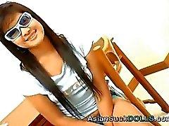Adolescente asiático Menina bonito benção