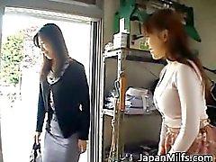 Azgın japanese MILFS emme ve lanet bölüm1
