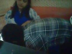 Bangladais Bf & GF dans le restaurant 2 sur la pleine hotcamgirls. dans
