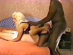 Hustru gör fästman ta lite stor svart kuk
