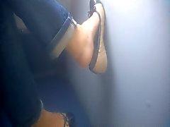 Du pied Candid - Matures - le bus - Feet de 39