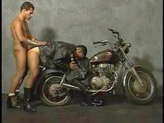 Кожаные Bikers ебля