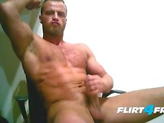 Ripped Euro Stud Shoots Cum On His Chest
