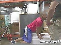 Les hommes noirs nus pisse et noir strip gay film porno Cet homme